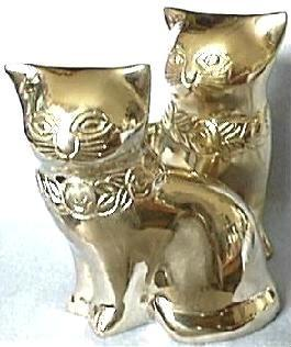 Decoratice Cats. Front View